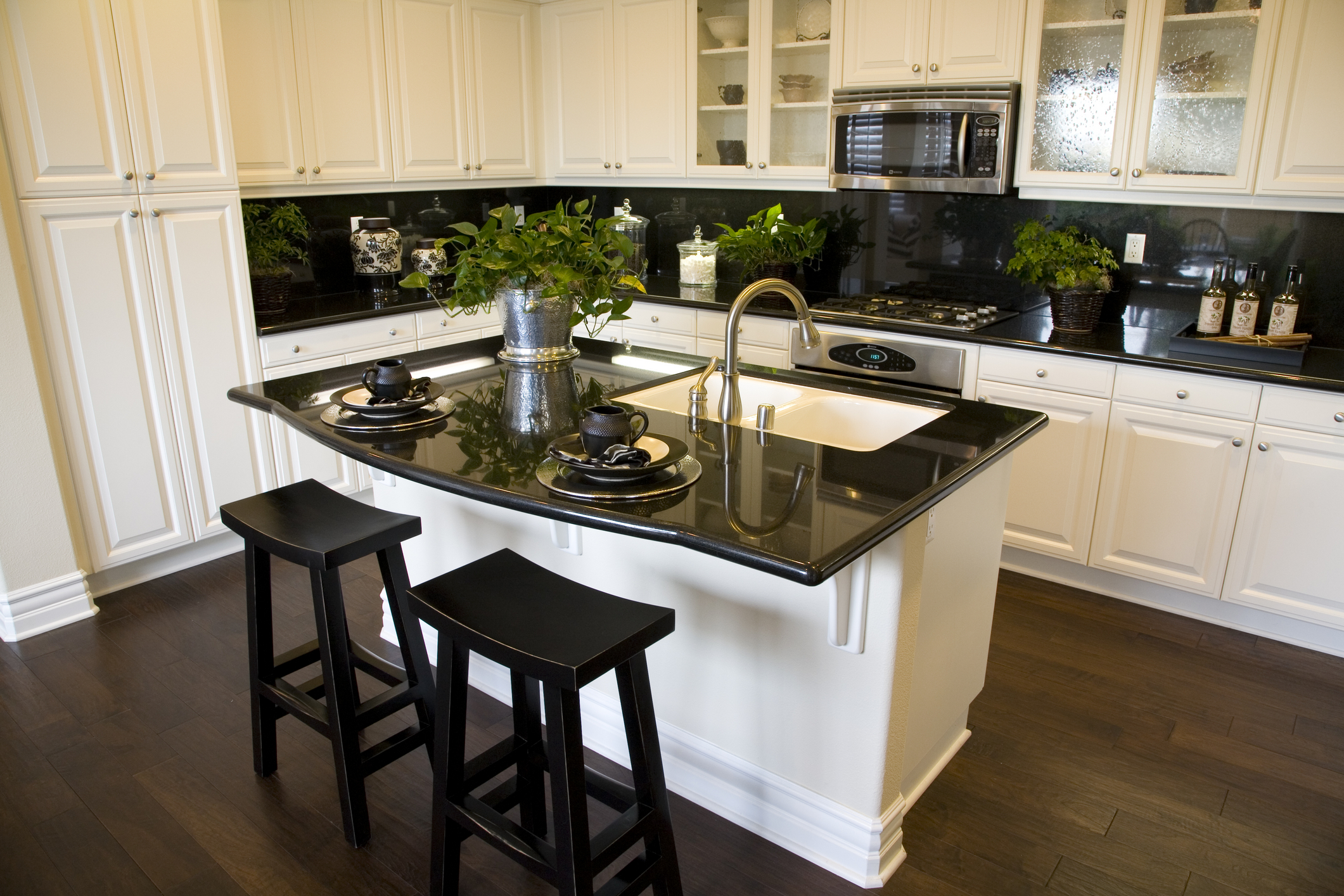Cabinet refacing carefree home pros for Cost to update kitchen cabinets and countertops